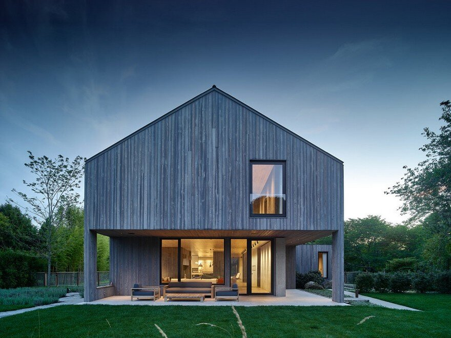 Amagansett House is a Maintenance-Free Home Consists of Two Barn-Like Volumes