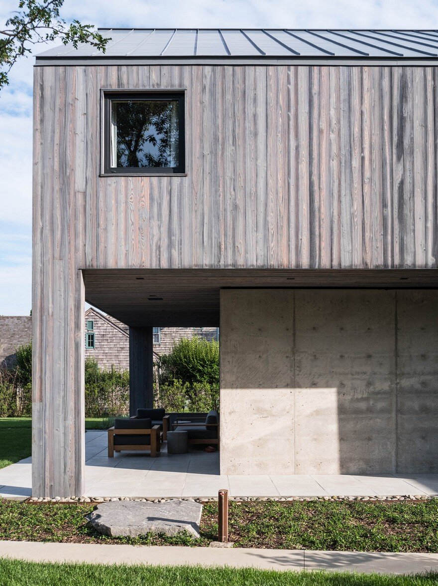 Amagansett House is a Maintenance-Free Home Consists of Two Barn-Like Volumes 1