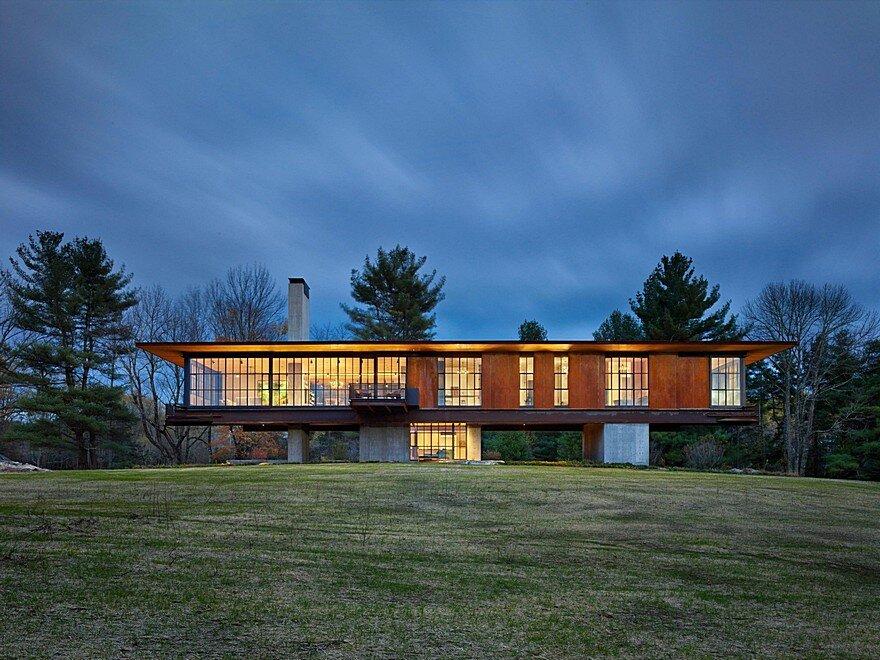 Berkshire Retreat Offers Stupendous Views of Massachusetts