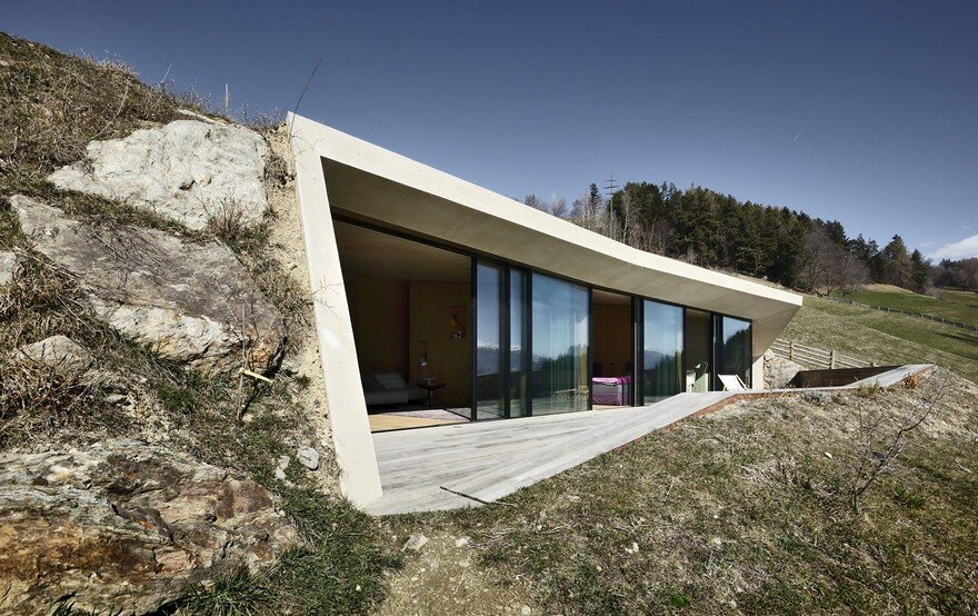 Creative Extension to a Traditional South-Tyrolean Farmhouse