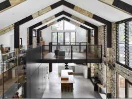 Glasshouse Mountains is a Barn-Like Family Home with Industrial Vibe 9