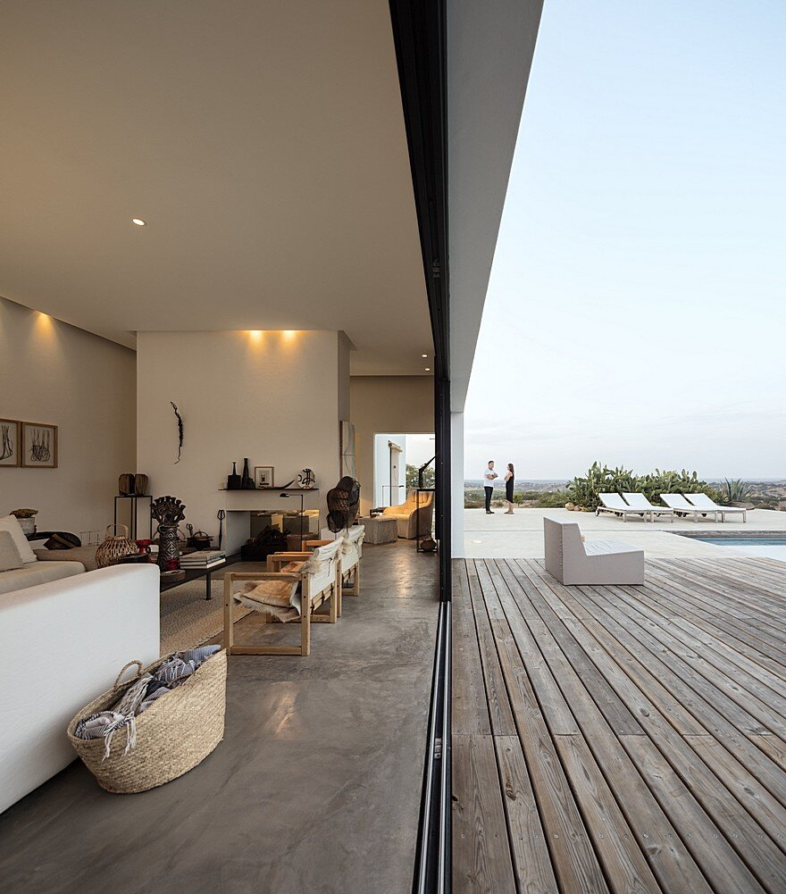Grandola House Located in a Vast and Arid Landscape of Portugal 3