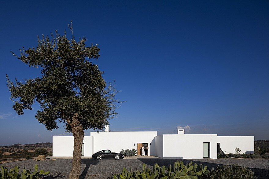 Grandola House Located in a Vast and Arid Landscape of Portugal 1