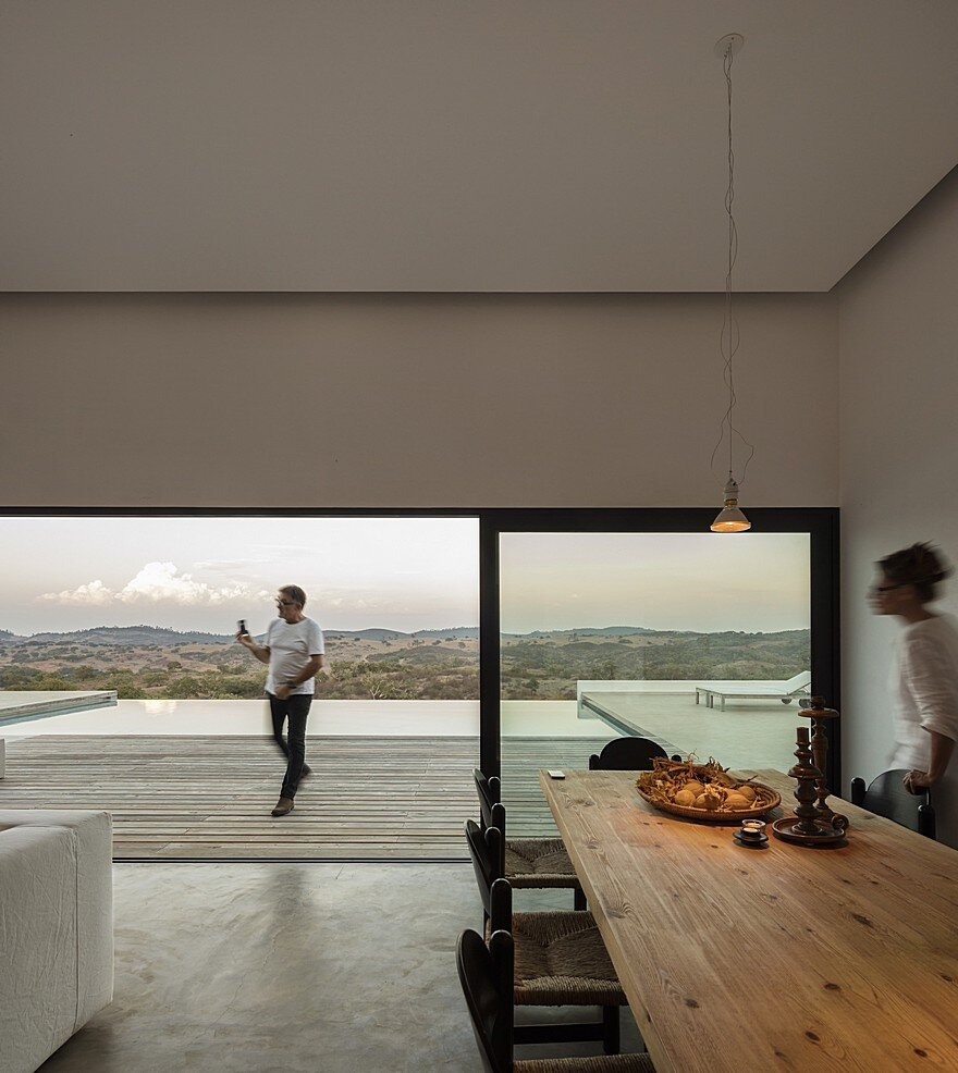 Grandola House Located in a Vast and Arid Landscape of Portugal 11