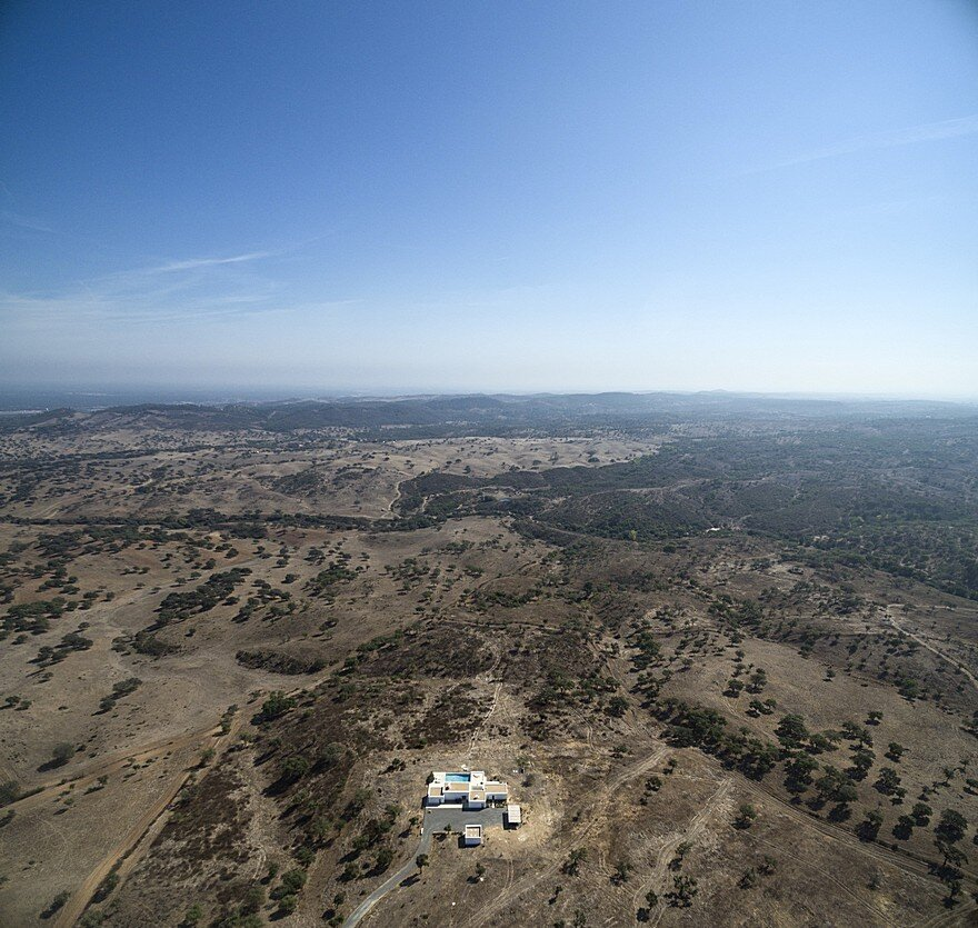 Grandola House Located in a Vast and Arid Landscape of Portugal 20