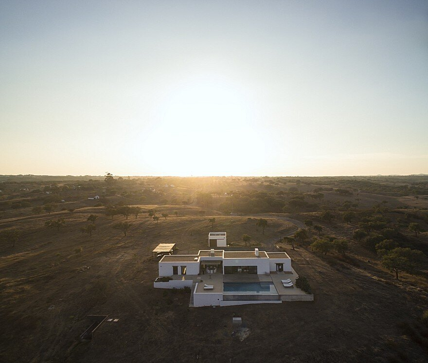 Grandola House Located in a Vast and Arid Landscape of Portugal 19