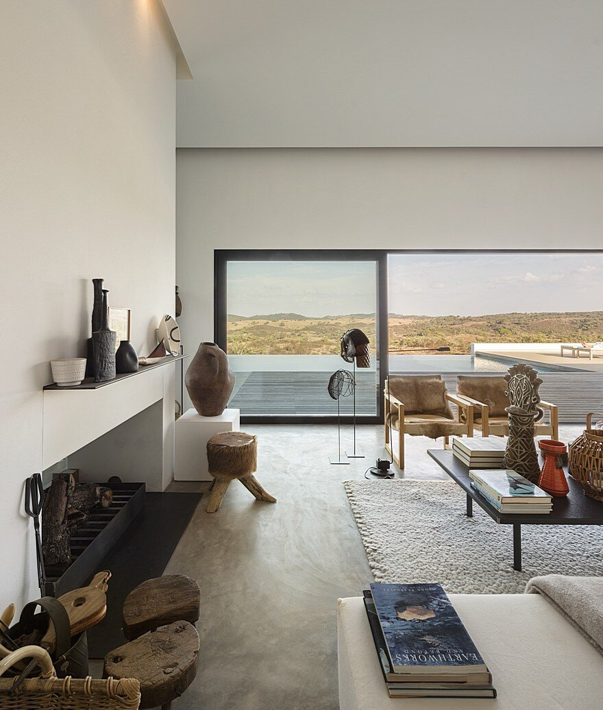 Grandola House Located in a Vast and Arid Landscape of Portugal 7