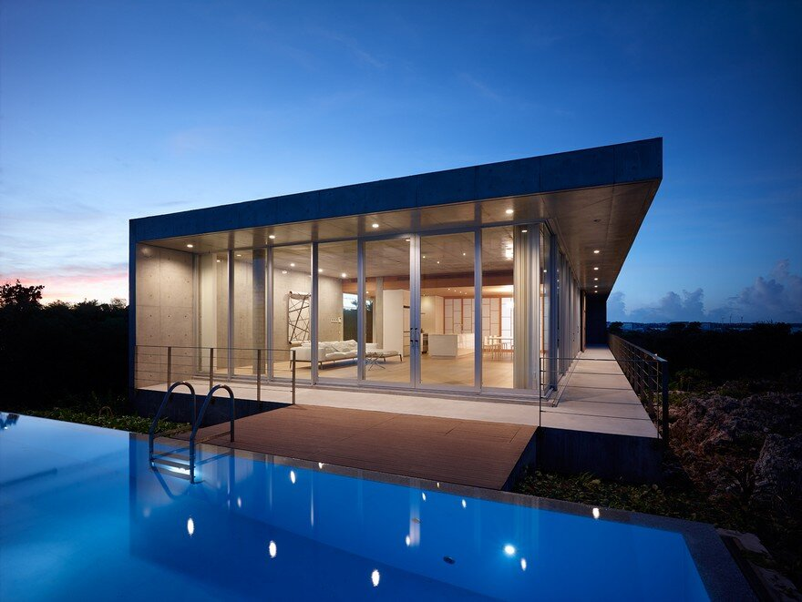This House Provides a Meditative Retreat with Expansive Views of the East China Sea 9