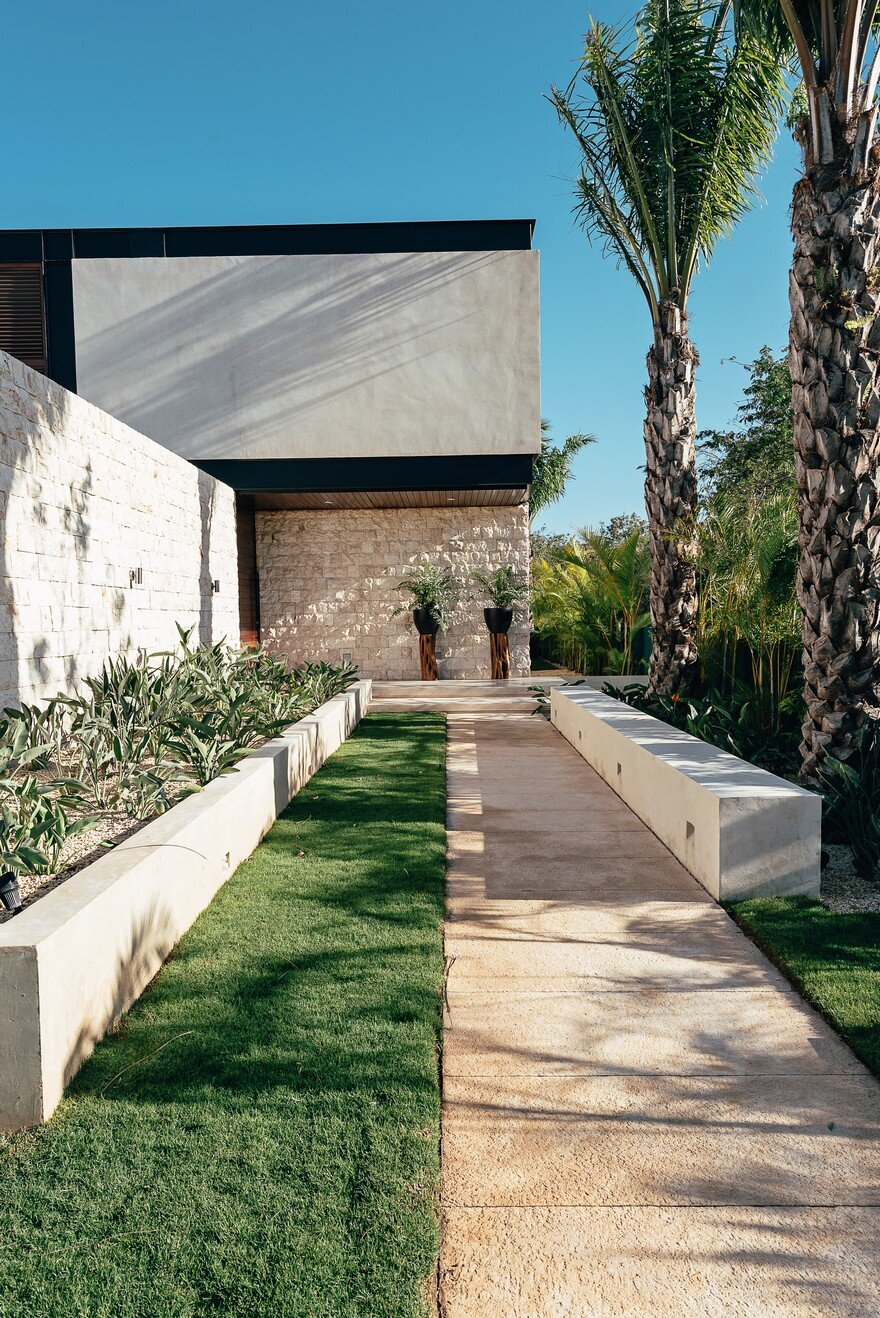 Merida House Provides an Intimate Place for a Family of Five 3