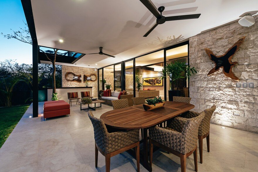 Merida House Provides an Intimate Place for a Family of Five 5