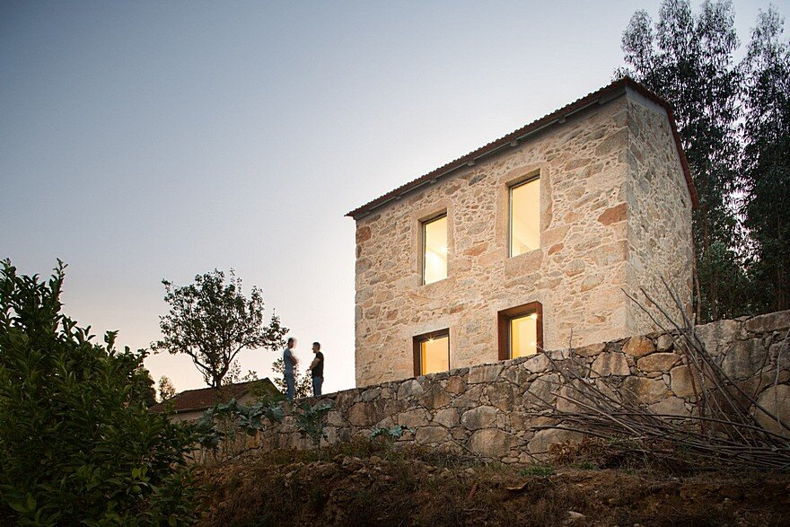 Portuguese Traditional House Adapted by Paulo Martins for Weekend Getaways 13