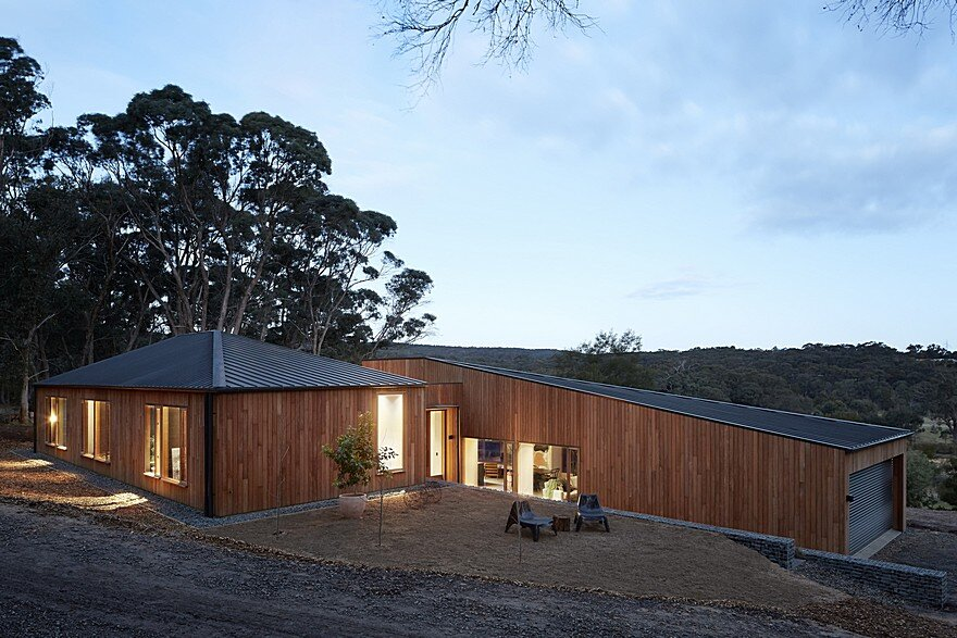 Two Halves House by Moloney Architects 13