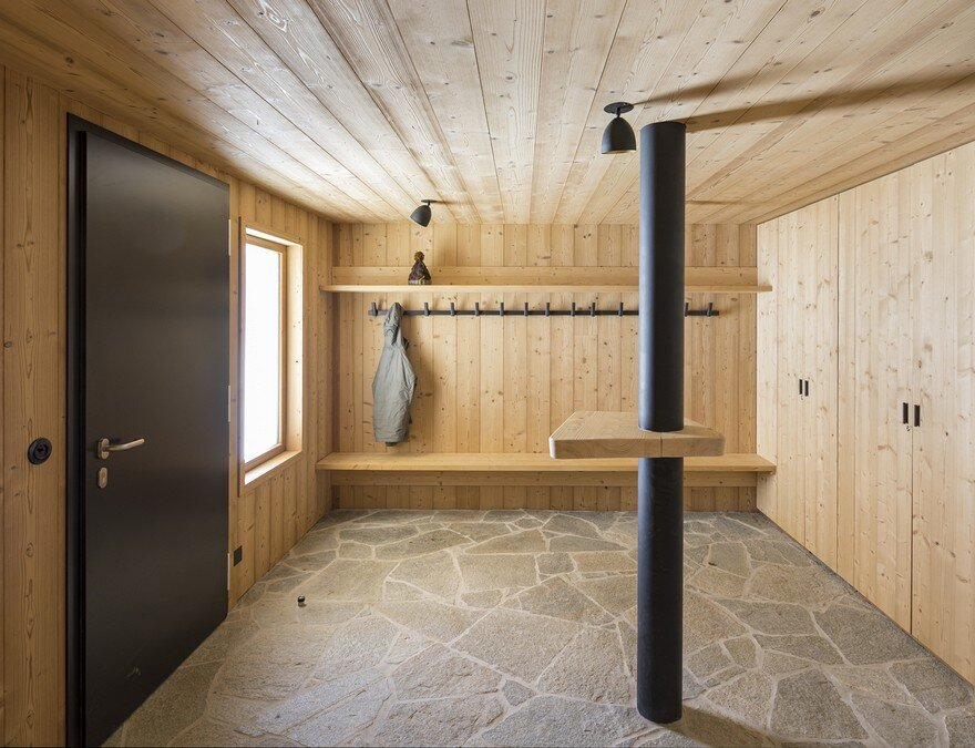 This Wooden Mountain House Features Delightful Mix of Traditional and Modern 3