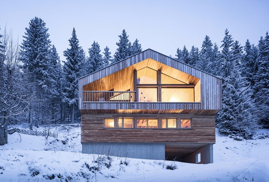 This Wooden Mountain House Features Delightful Mix of Traditional and Modern 28