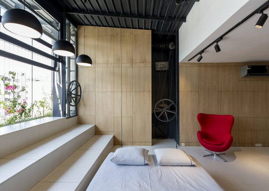 45-sqm Roof Storage Space Converted into a Living Space 3