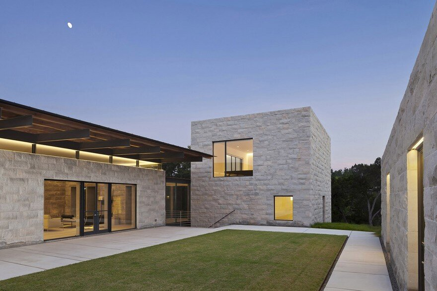 Elegant Home with the Sensibilities of an Art Museum: Hollowcat Wild 15