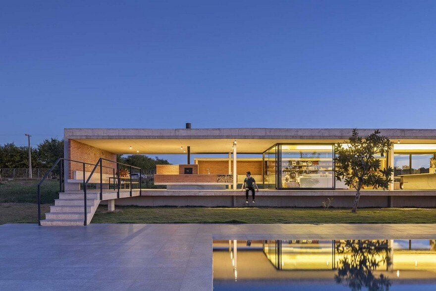 Modern Brazilian Home Embracing Transparency and Open Spaces
