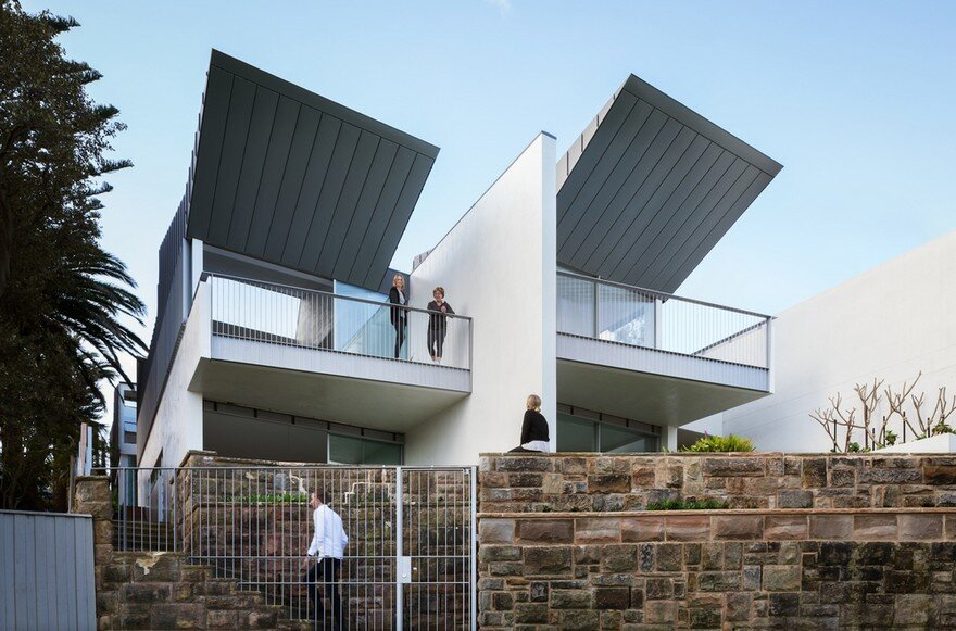 Narrow Beach House in Sydney by Marston Architects