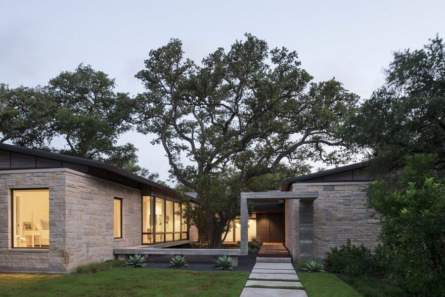 Ridge Oak Residence by McKinney York Studio