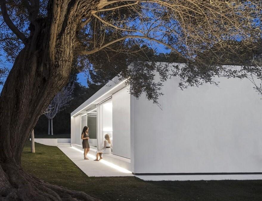 Valencia Guest Pavilion by Fran Silvestre Arquitectos