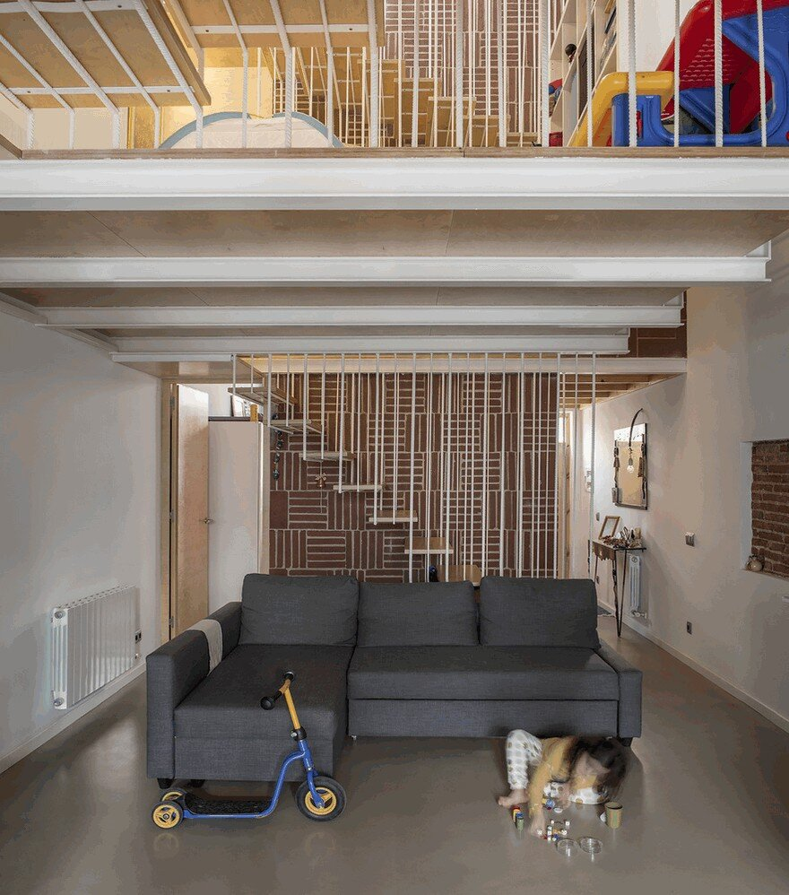 Blacksmith Workshop Turned into a Family Home in Badalona, Spain 1