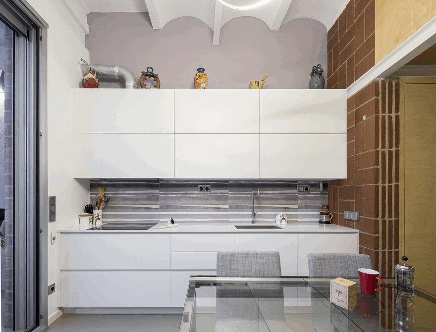 Blacksmith Workshop Turned into a Family Home in Badalona, Spain 2