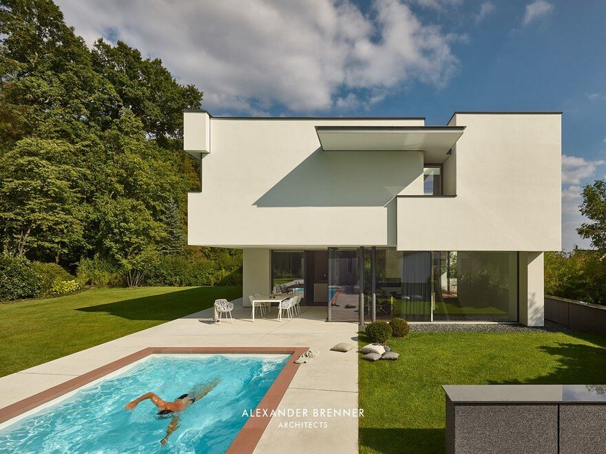 Haus am Wald Residence in Stuttgart / Alexander Brenner Architects