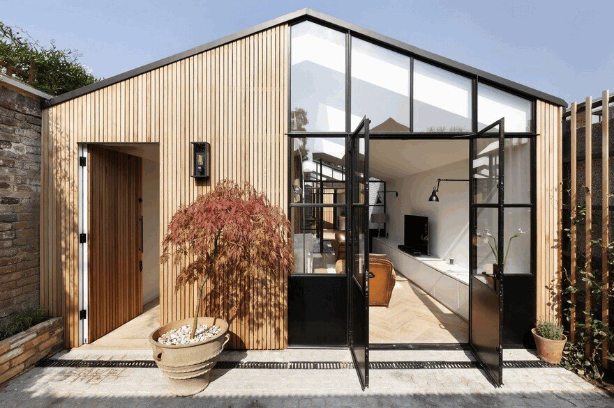 De Rosee Sa Have Designed a Courtyard Home on the Site of a Former Garage in West London