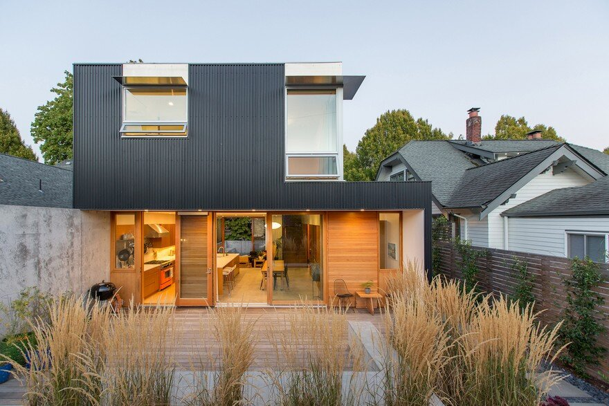 Low-Maintenance and Modern Version of a Traditional Seattle House 1