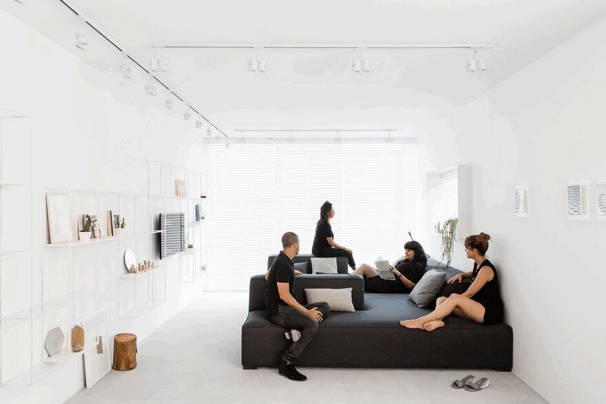 Minimalist Interior Showcased by Black & White Apartment in Tel Aviv