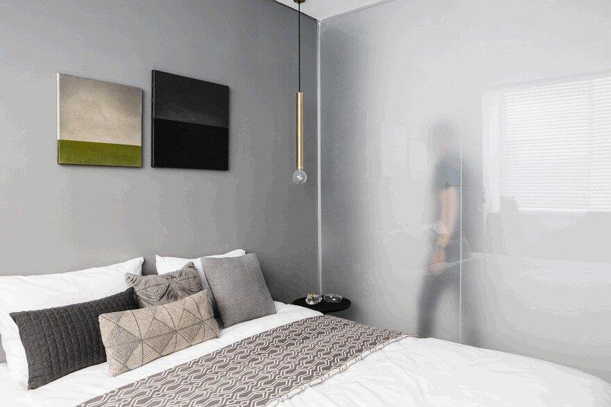 Minimalist Interior Showcased by Black & White Apartment in Tel Aviv 12