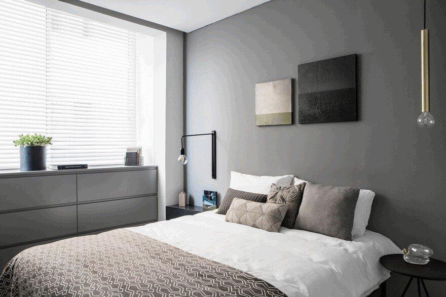 Minimalist Interior Showcased by Black & White Apartment in Tel Aviv 9