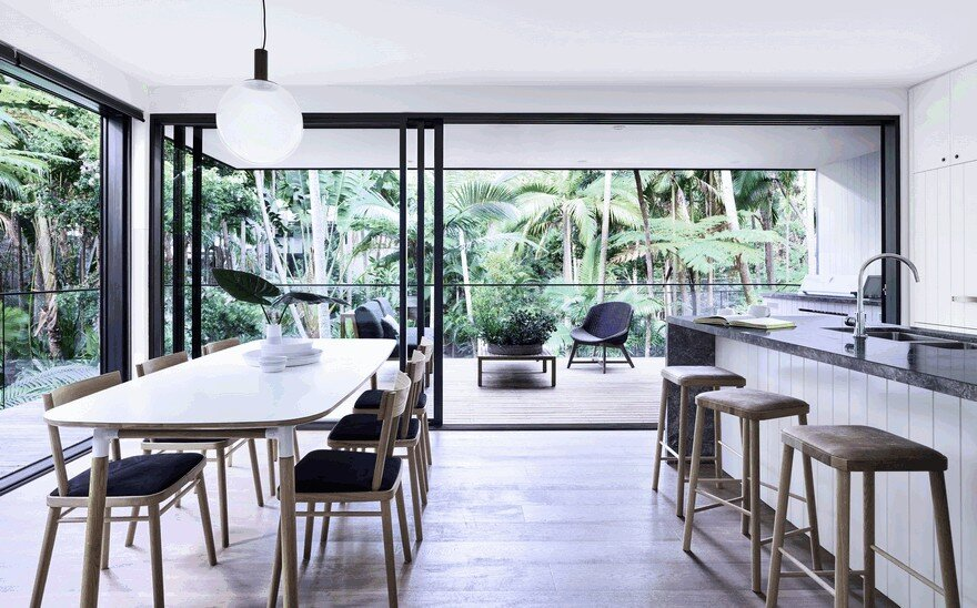Modern Coastal House Nestled in the Lush Australian Rainforest 8