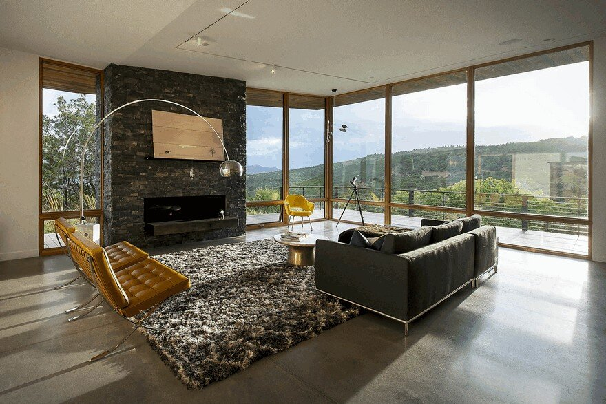 Red Hawk Residence Offering Striking Panoramic Views in Park City, Utah