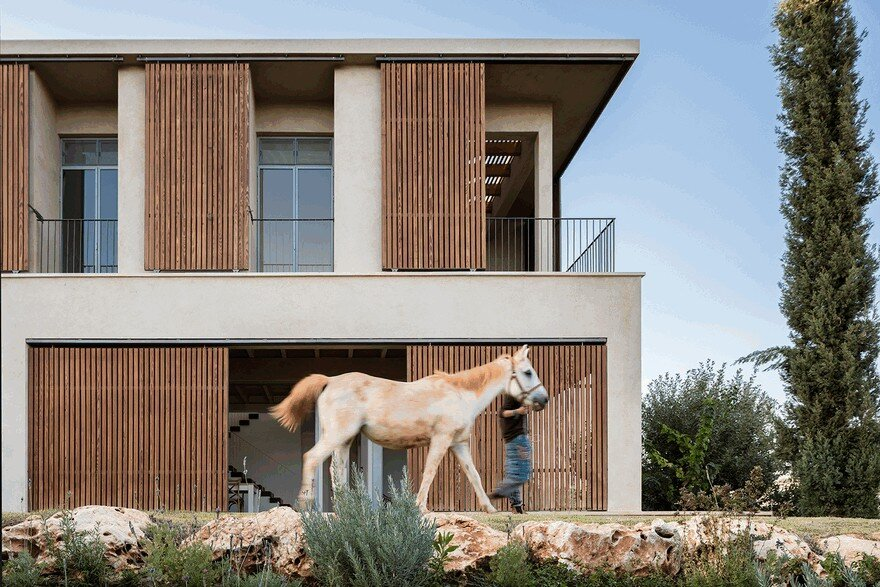 A Galilee House Integrated into the Pastoral Surroundings