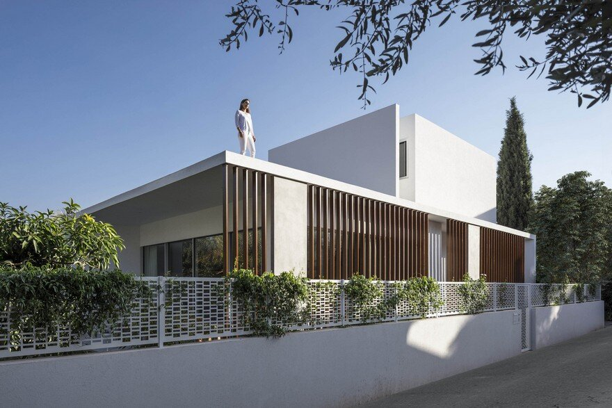 Ramat Hasharon House, Tal Goldsmith Fish Design Studio 1