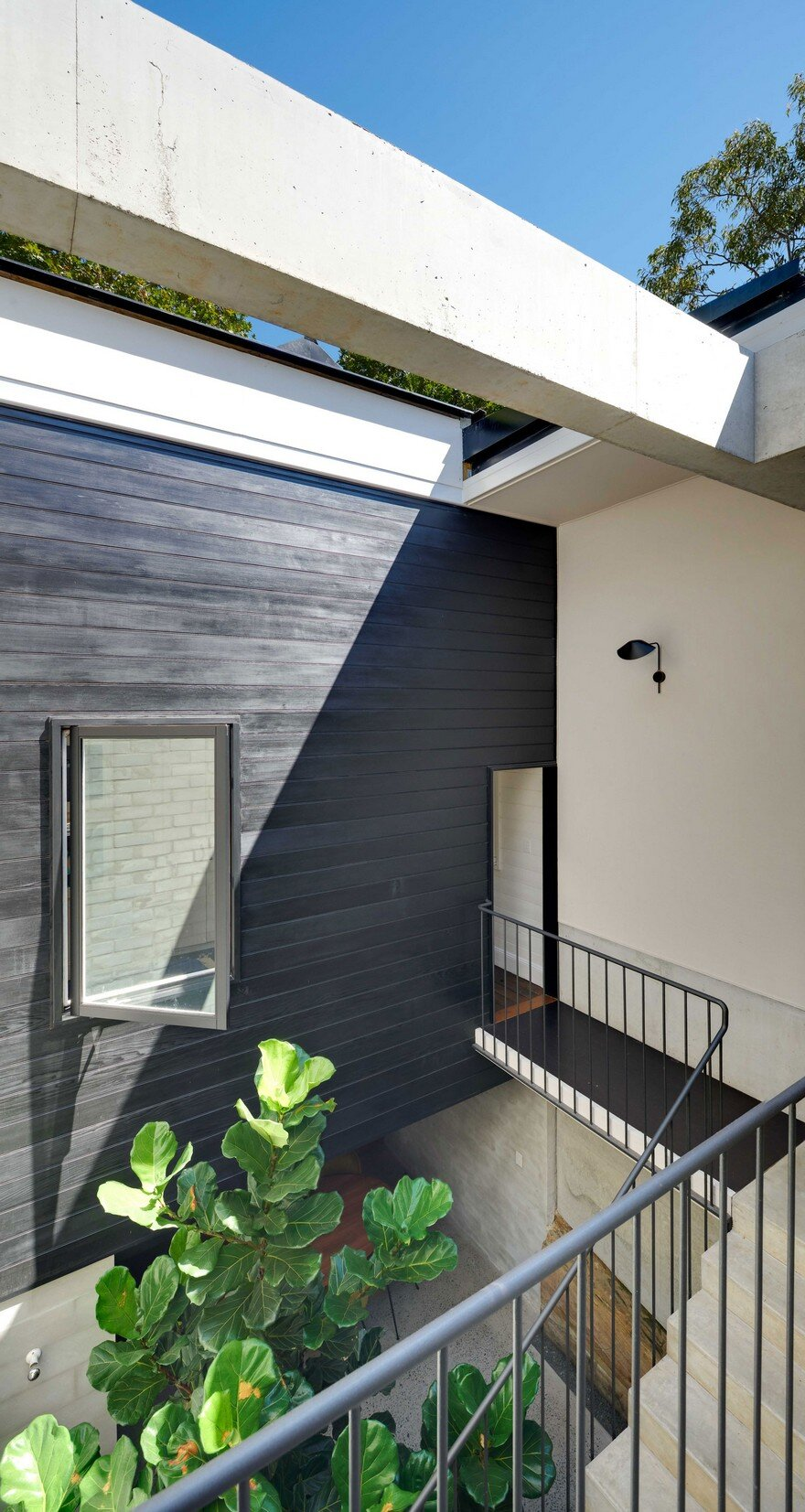 Weatherboard Cottage Extended by Welsh + Major Architects 8
