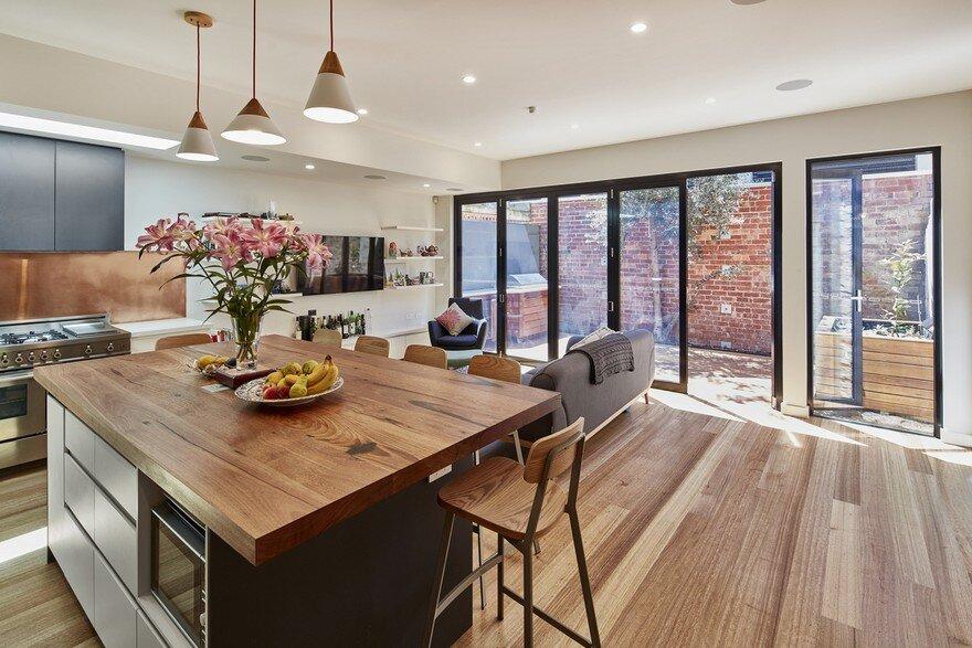 Abbotsford House / Windiate Architects