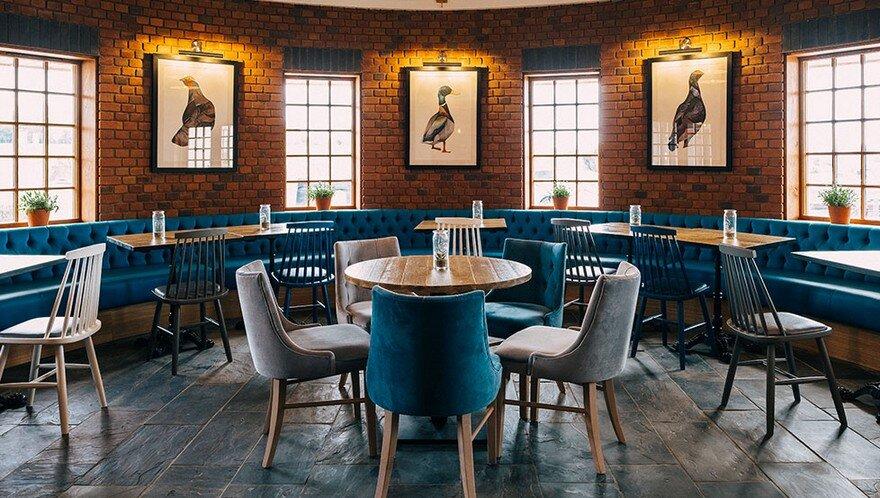 Aston Marina Restaurant / Faber Design
