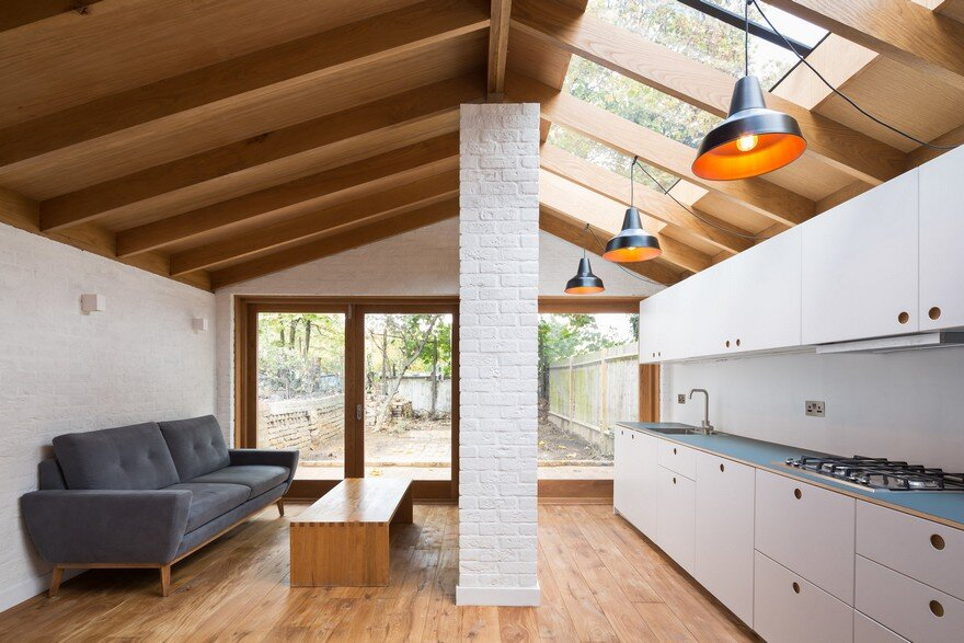 Extension of a Garden Flat Defined by a Dramatic Vaulted Oak Roof 9