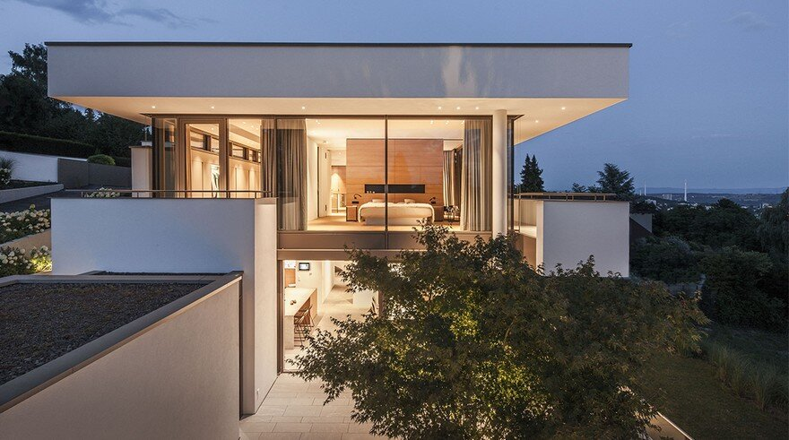 Light-Infused Panoramic Family Home in Esslingen, Germany 3