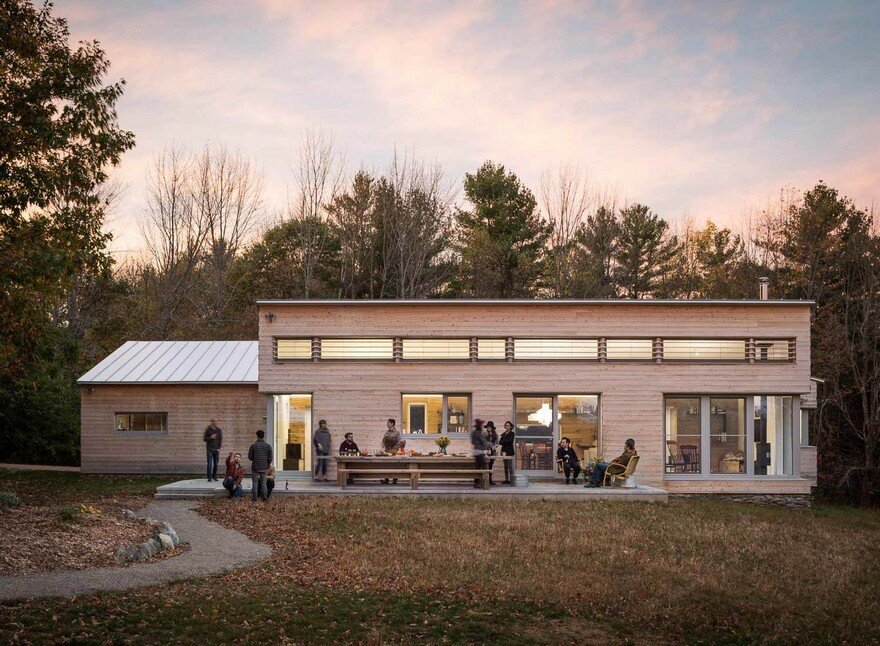 Maine Rural Modern / GO Logic Architecture