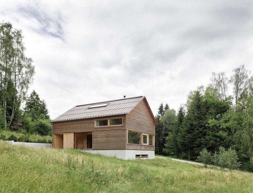 Mountain vacation house in austria innauer matt architekten for Mountain vacation home plans