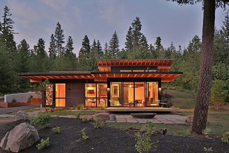 Nelson Preserve Retreat For a Family of Four / Studio Zerbey