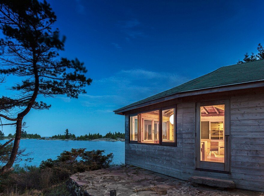 Georgian Bay Cottage / AGATHOM Co.