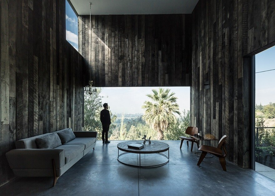 Lo Curro House by Iván Bravo + Bruno Gilberto Architects 13