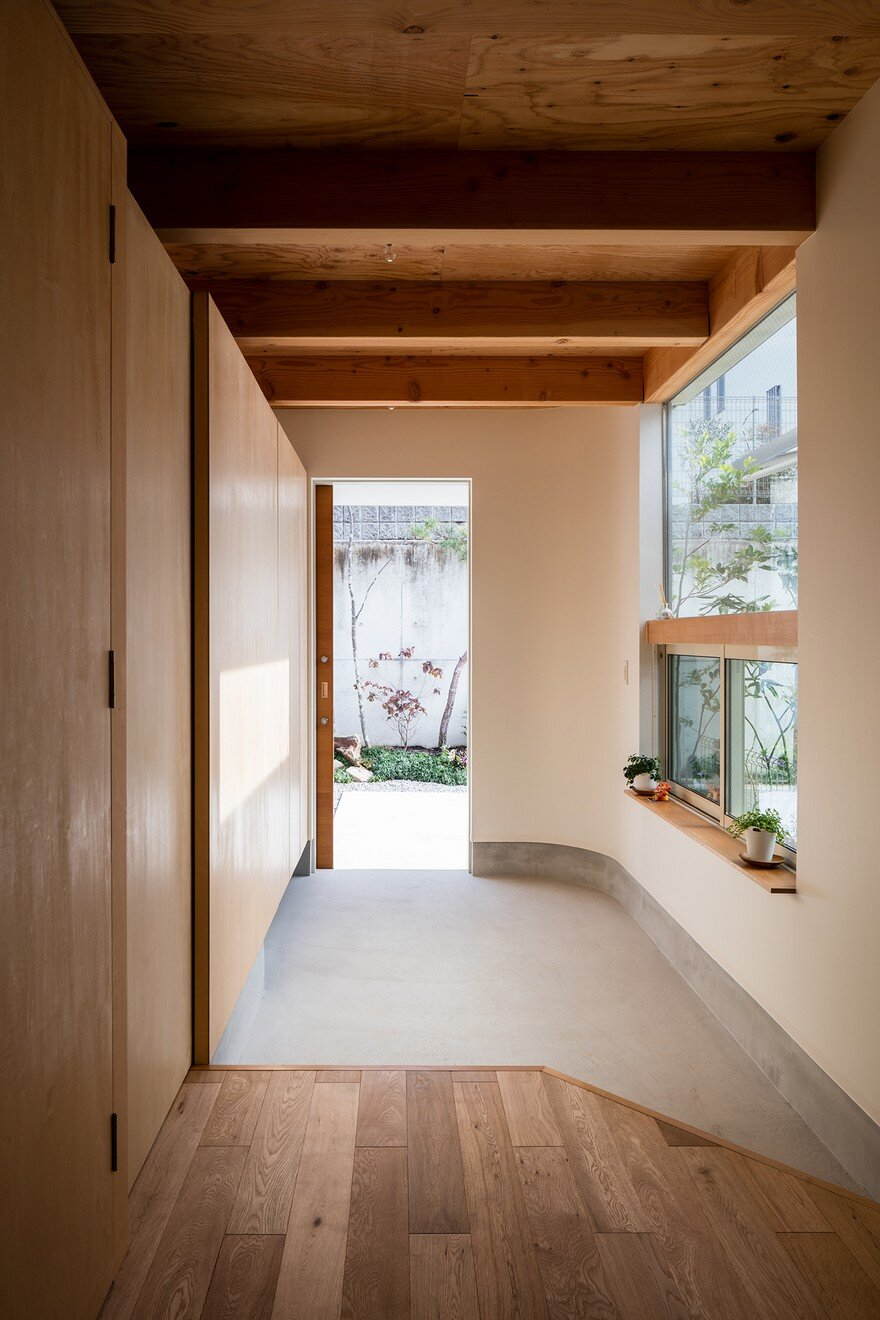Minimalist family home in osaka defined by a perfect for Minimalist house instagram