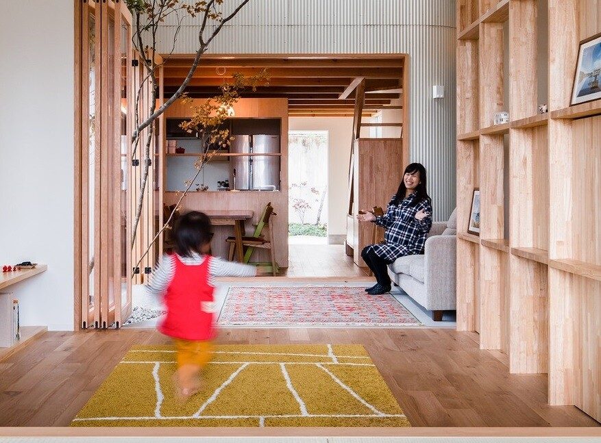 Minimalist Family Home in Osaka Defined by a Perfect Indoor-Outdoor Experience