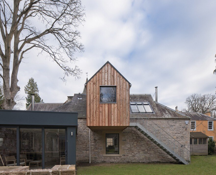 Newbattle House: Extension of a 19th Century Stable Block to Form an Artist Studio