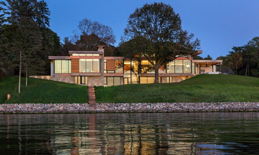 Shoreline Residence by Peterssen / Keller Architecture